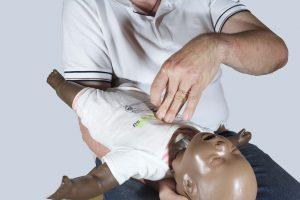 Manovre di disostruzione lattante: compressioni toraciche